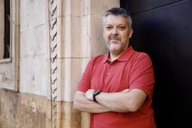 Marcos Pons, presidente de la Federación de Personas Sordas: «Educación y sanidad deben usar mascarillas trasparentes»