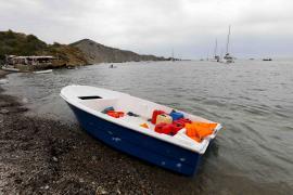 Detenidos en plena huida dos patrones de una de las pateras llegadas a Formentera