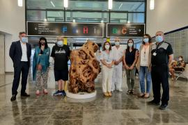 Cayetano Miró reconoce el trabajo de los sanitarios con 'Cor Neum'