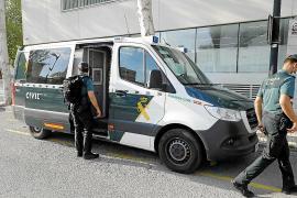 Prisión provisional sin fianza para los dos hombres acusados de violar a una joven en Ibiza