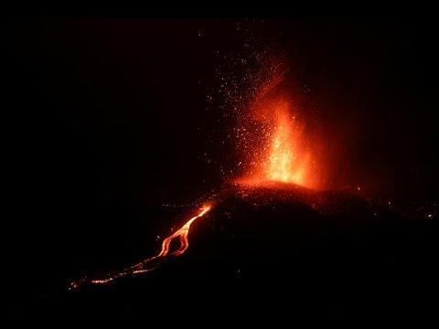 DIRECTO | La lava del volcán ha arrasado casi 200 casas en su avance hacia el mar