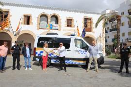 Nueva furgoneta de Atestados para la Policía Local de Santa Eulària
