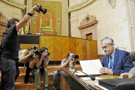 Barones del PSOE ven en la marcha de Griñán un golpe bajo a Rubalcaba