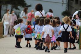 Salut y Educació revisarán el uso de la mascarilla en el patio de los colegios