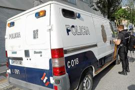 Atrapan en plena huida a un joven que había robado de un tirón un reloj de 40.000 € en Ibiza