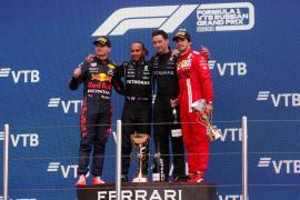Hamilton gana; Verstappen, segundo y Sainz, tercero
