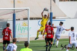 La falta de pegada impide al Formentera ganar en Huesca