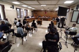 Arranca el primer macrojuicio a una mafia okupa en Palma
