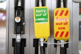 Reino Unido pone al Ejército en alerta ante el pánico por la falta de gasolina