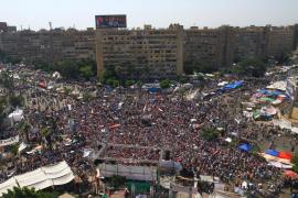 Decenas de miles de egipcios piden en la plaza Tahrir la renuncia de Mursi