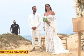 Anabel Pantoja junto a su marido Omar Sánchez.