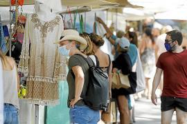 El PSOE exige a Santa Eulària que evite el cierre del mercadillo hippy de Punta Arabí