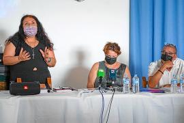 Vecinos, periodistas e incluso políticos (el alcalde de Sant Josep excusó su ausencia) no se quisieron perder las explicaciones que avalan que no se tiren los Don Pepe