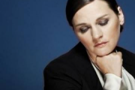Madeleine Peyroux presenta 'The blue room' en Port Adriano