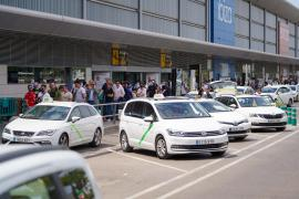 Taxistas de Ibiza reiteran que es «necesario» que las ordenanzas municipales de taxi se adapten a la normativa balear
