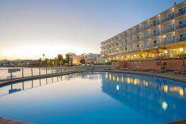 Un cuatro estrellas donde el bienestar y el confort se fusionan con la magia de Ibiza