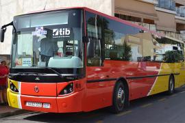 El transporte público empieza la temporada baja con los mismos servicios de bus que 2019