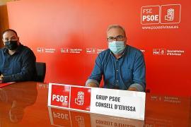 El portavoz socialista, Vicent Torres, ayer en rueda de prensa