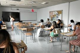 Fuga de docentes por el alto coste de la vida en las Pitiusas