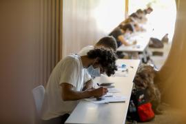 El 'boom' de las becas: Educació prevé que crezca el número de estudiantes beneficiados