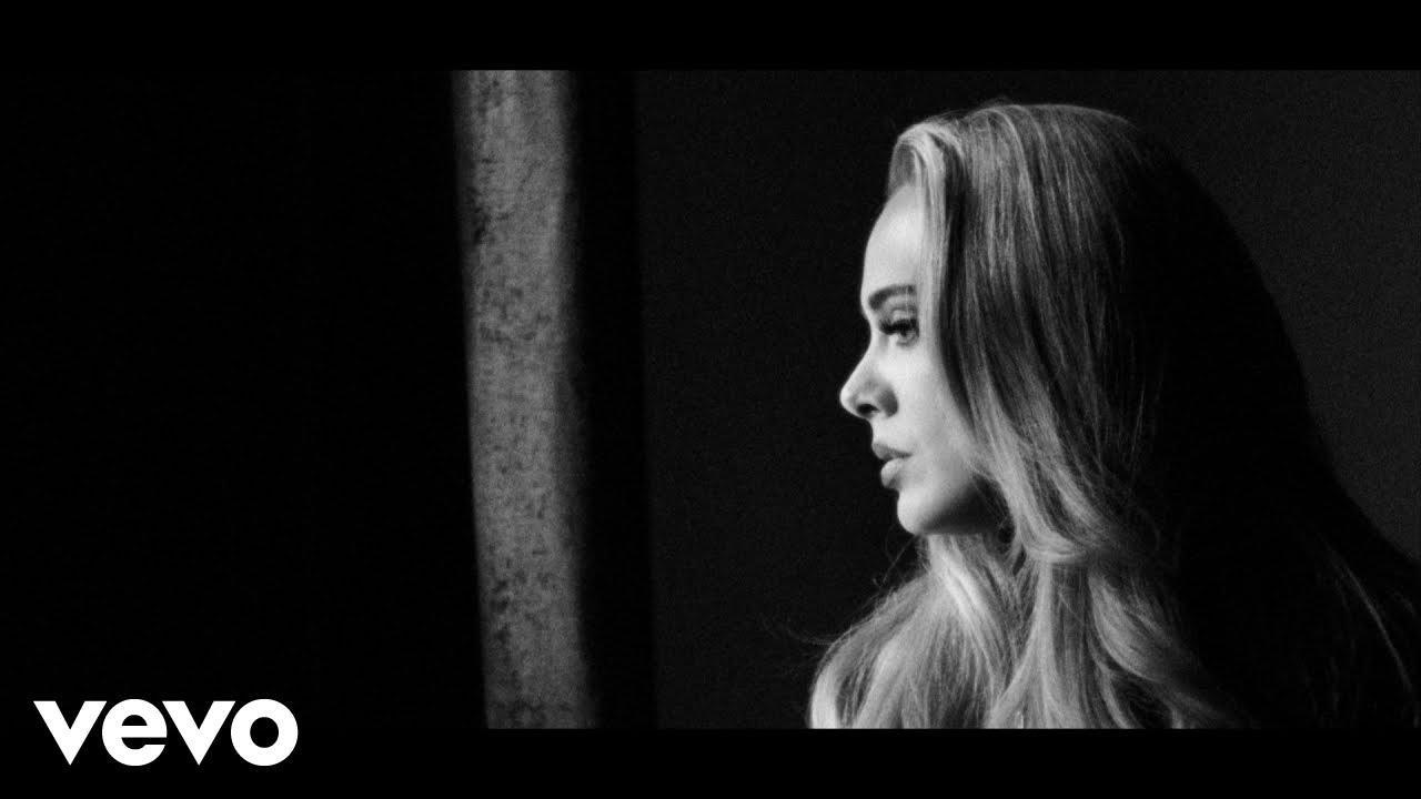 Adele estrena 'Easy On Me' tras cinco años de silencio