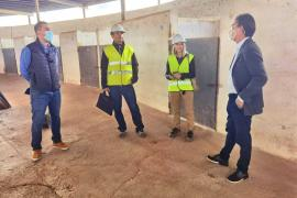 Empiezan las obras de adecuación de los boxes del hipódromo de Sant Rafel