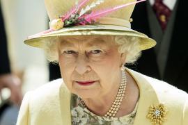 La reina de Inglaterra cancela un viaje oficial y descansará por consejo médico
