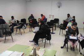 Más de 200 personas inscritas en los cursos de catalán de Formentera