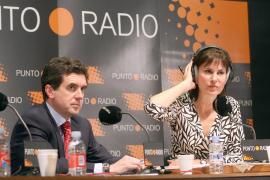 """La perodista Concha García Campoy realiza su programa de radio """"Campoy en su Punto"""" desde Palma."""