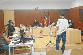 La juez de guardia envía a prisión al 'ladrón del bolardo' por su enésimo asalto a un local de Vila