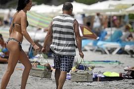 El Govern controlará esta semana la venta ambulante en las Pitiüses