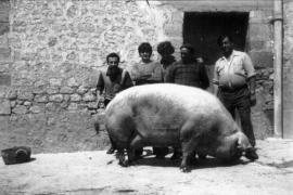 La faceta más urbana y personal de Buil Mayral en una exposición nostálgica