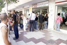 El paro cayó en abril en 660 personas respecto a marzo y situó la cifra de desempleados en 10.220