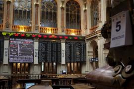 La Bolsa española no logra superar la desconfianza