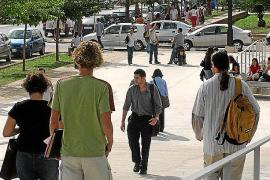 PALMA. ENSEÑANZA UNIVERSITARIA. INICIO DEL CURSO UNIVERSITARIO 2.003 - 2.004 EN EL CAMPUS DE LA UIB