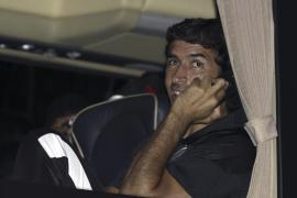 Raúl visita el entrenamiento del  Real Madrid y saluda a sus ex compañeros