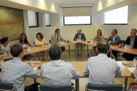 El Govern escucha a las Pitiüses y decide no legalizar el alquiler de pisos particulares con usos turísticos