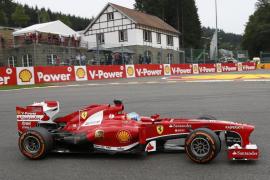 Alonso: «No tenemos nada que perder saliendo tan atrás, el objetivo es Vettel»