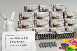 Detenidos tres ingleses en Sant Antoni con más de mil dosis de 'gas de la risa '