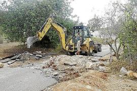 El vecino que cortó una calle y el alcalde de Sant Joan acercan posturas sobre el conflicto