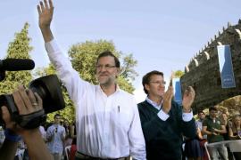 Rajoy anuncia que bajará los impuestos y ve próxima la salida de la recesión