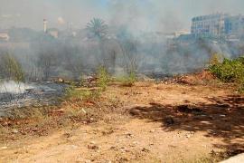 Mediodía intenso para los bomberos con dos incendios en Vila en apenas dos horas