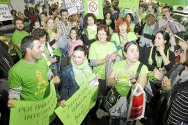 La comunidad educativa acusa al Govern de «burlar» la Justicia de forma «antidemocrática»