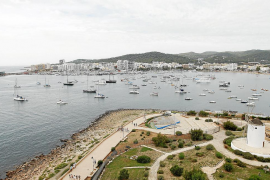 Enfrentados por la privatización de la bahía