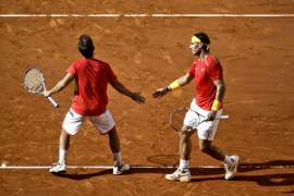 España se impone en dobles y cierra la permanencia en el Grupo Mundial