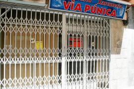 Las Pitiüses pierden mil establecimientos comerciales minoristas desde el inicio de la crisis