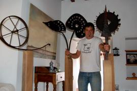 Àlvaro de la Dehesa presenta en  Eivissa sus esculturas-lámparas