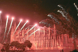 """LA LLUVIA DESLUCE EL """"ATIARFOC"""" DE SANT SEBASTIÀ 2009."""