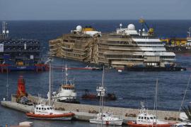 Hallan restos junto al Costa Concordia en la búsqueda de dos desaparecidos