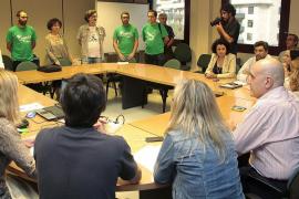 Los docentes plantan al Govern ante la falta de propuestas